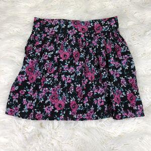 Lucy Love Women's Medium Black Floral Skirts